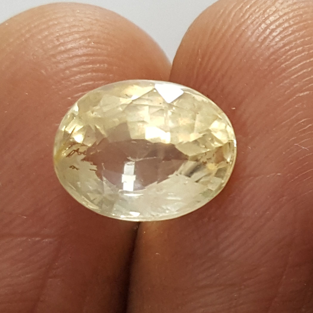 4.26 Ratti Natural Yellow Sapphire With Govt Lab Certificate-(16650)