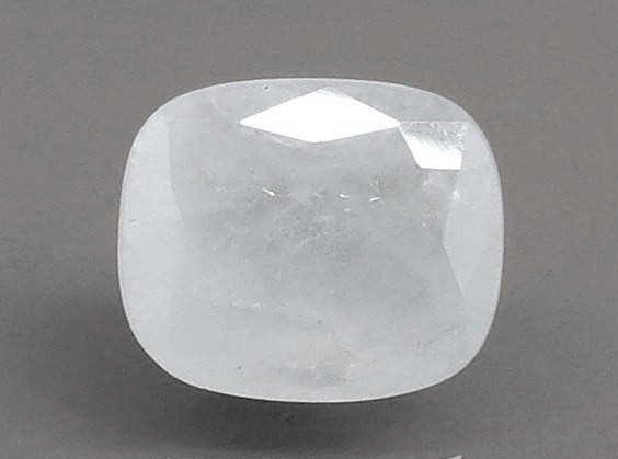 5.56 Ratti Natural White Sapphire with Govt Lab Certificate - (4551)